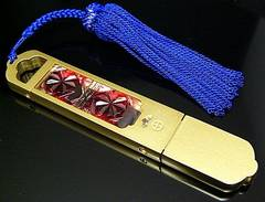 gold-and-crystal-usb-key
