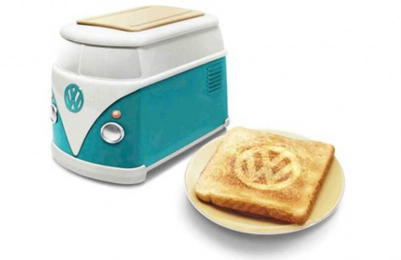 vw minibus toaster brennt vw logo in toast. Black Bedroom Furniture Sets. Home Design Ideas