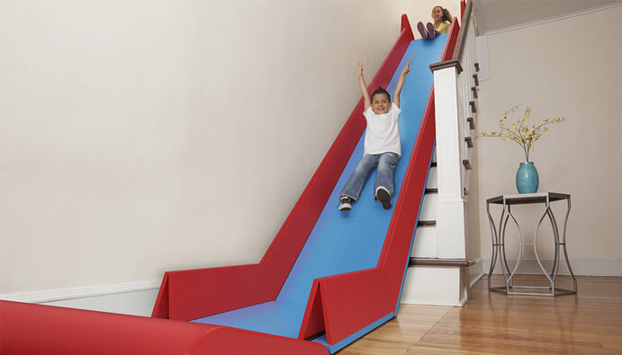 sliderider verwandelt treppe in rutsche. Black Bedroom Furniture Sets. Home Design Ideas